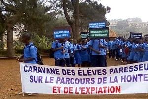 Cameroun-Education: Une caravane des élèves paresseux fait le tour de la ville de Bafoussam.