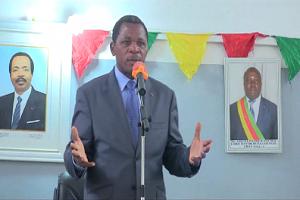 Cameroun-Crise anglophone:Paul Atanga Nji assiste à une messe pour le retour de la paix dans les régions anglophones.