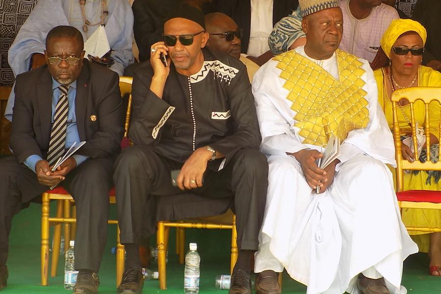 Assistance: Seydou Mbombo Njoya et Me Happi consolent Gilbert Kadji