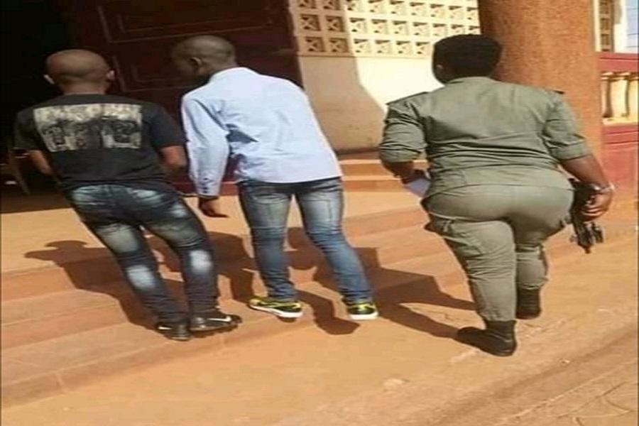 Cameroun : le juge signe la liberation de deux mineurs incarcérés pour vol à Kondengui.