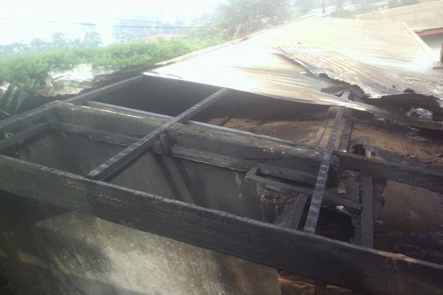 Cameroun : la résidence d'un proche de Paul Biya incendiée dans le Nord-ouest.