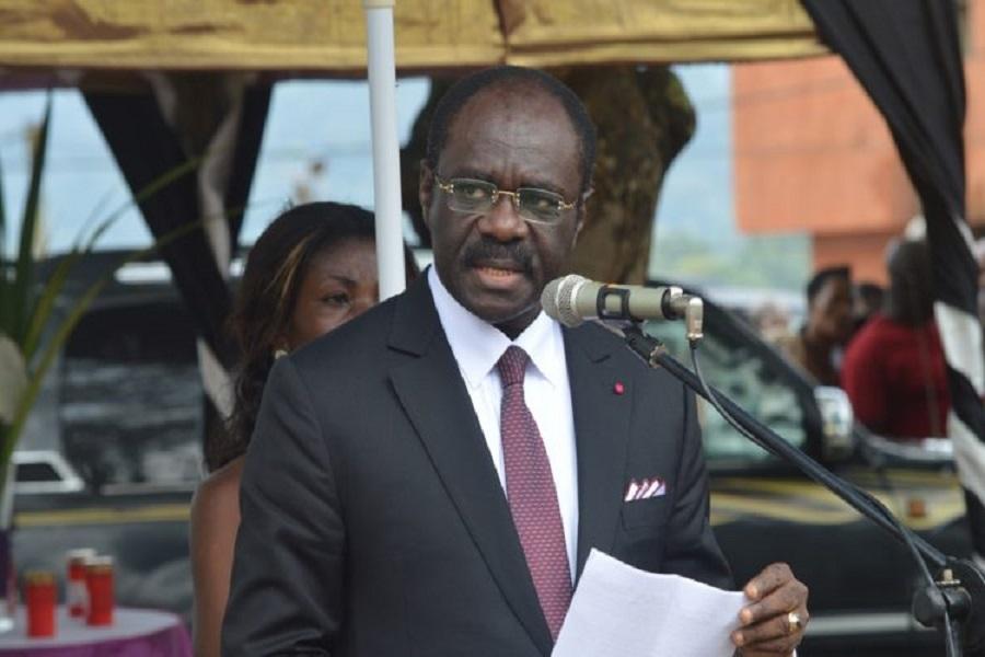 Le ministre Mouelle Kombi fait les yeux doux à  Joël Matip après son sacre Européen