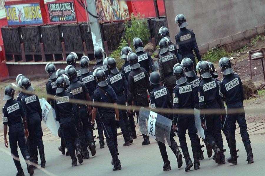 Cameroun : hommage rendu aux policiers tombés dans une explosion au Sud-ouest.