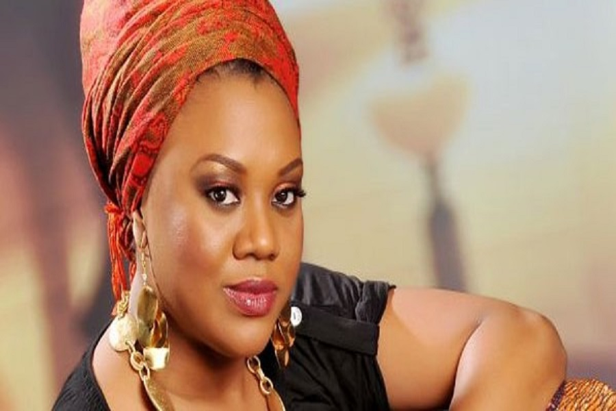 Cameroun : Une star nigériane s'en prend aux media pour avoir négligé la crise anglophone.