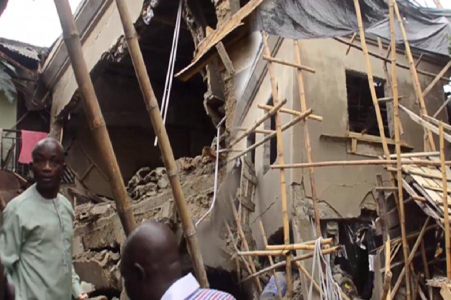 Cameroun : l'effondrement d'un bâtiment fait 1 mort à Douala.