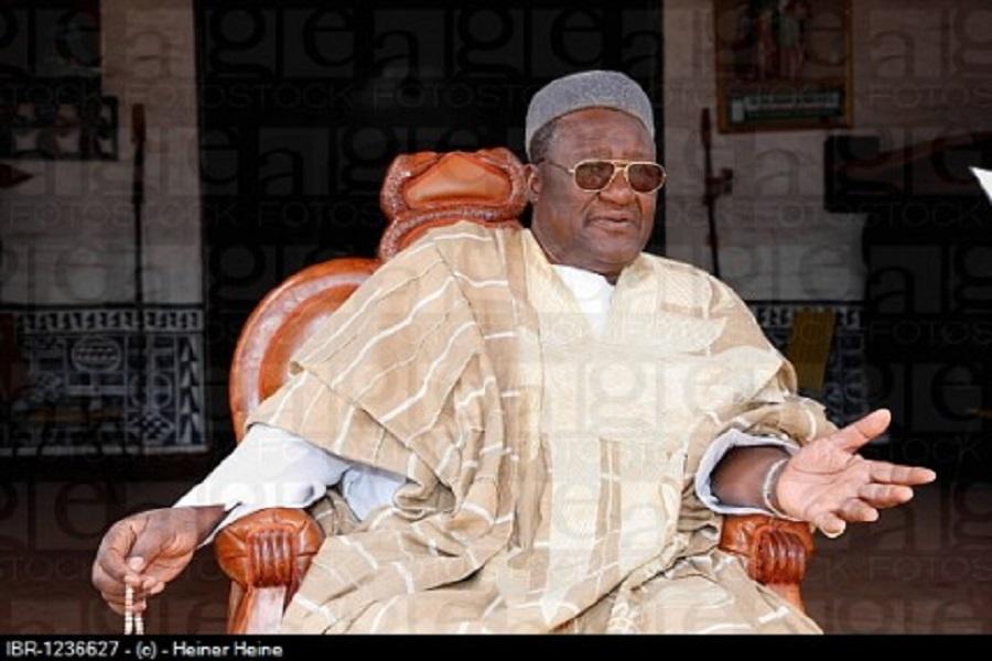 Grande manifestation de Bafoussam : Le Prince Njoya ( fils du Roi Mbombo Njoya) accuse Niat Njifenji et Jean Nkueté d'avoir « piégé » son père