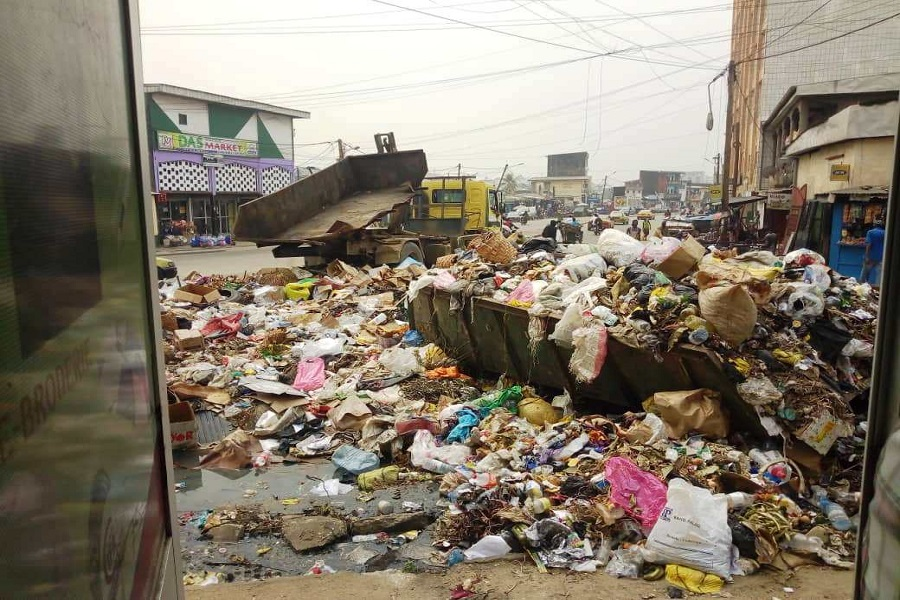 Cameroun :  après des jours dans les ordures ménagères, les habitants de Bamenda enfin « libérés ».