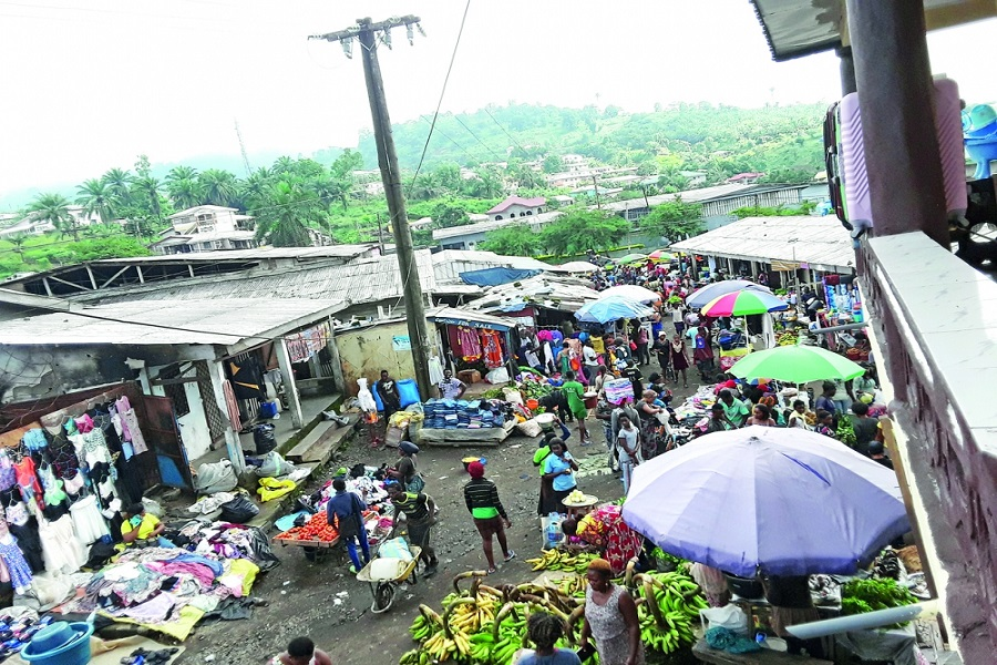 Cameroun : les populations anglophones défient les séparatistes et vaquent à leurs occupations