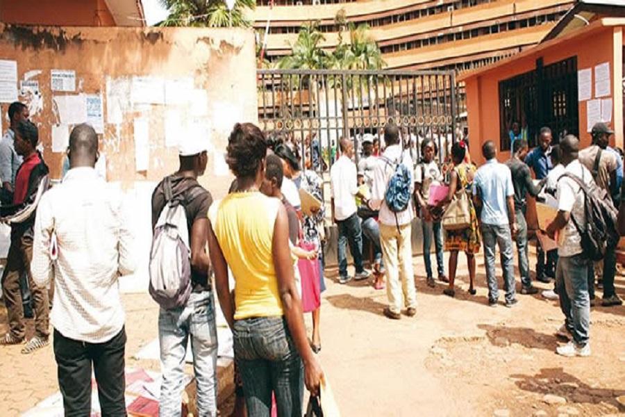 Cameroun : Des voleurs armés échappent à un grand lynchage à Douala