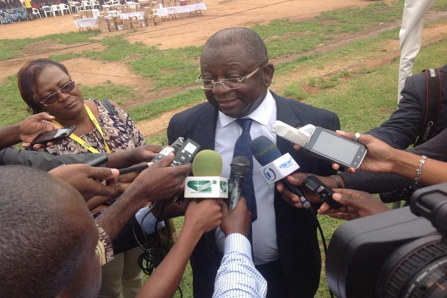 Cameroun : le ministre du Commerce poursuit sa chasse aux produits de contrebande