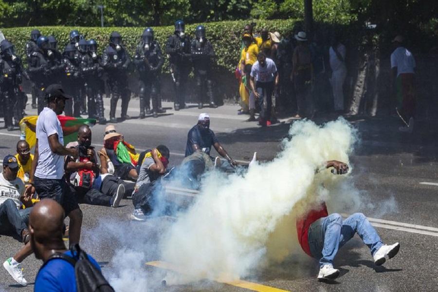 Cameroun : une manifestation des activistes de la diaspora tourne aux arrestations à Paris