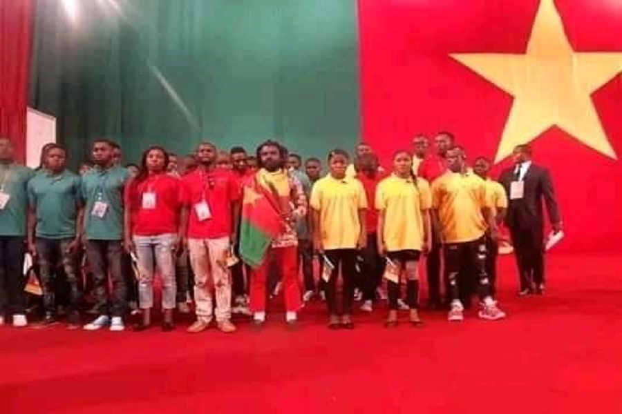 Grand dialogue national : Les anciens « Amba Boys » ont chanté l'hymne national devant la nation