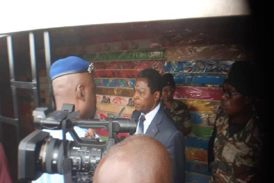 Cameroun : les déplacés de la crise reçoivent l'aide de l'Etat à douala