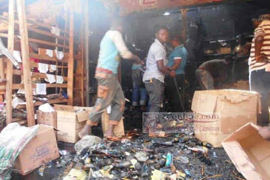 Cameroun : comment un incendie a ravagé des boutiques au marché Mboppi
